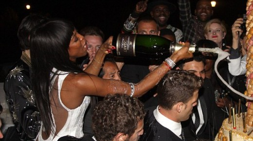 WineGossip. Naomi Campbell festeggia con champagne Jacquart
