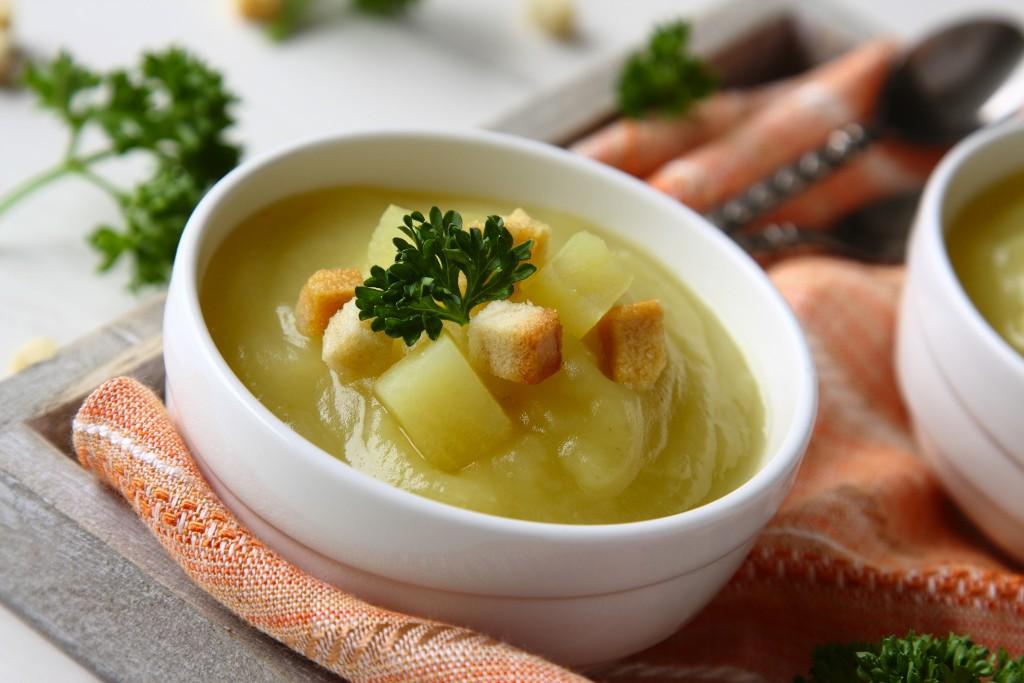 cavolo rapa e zuppa di patate con svedese