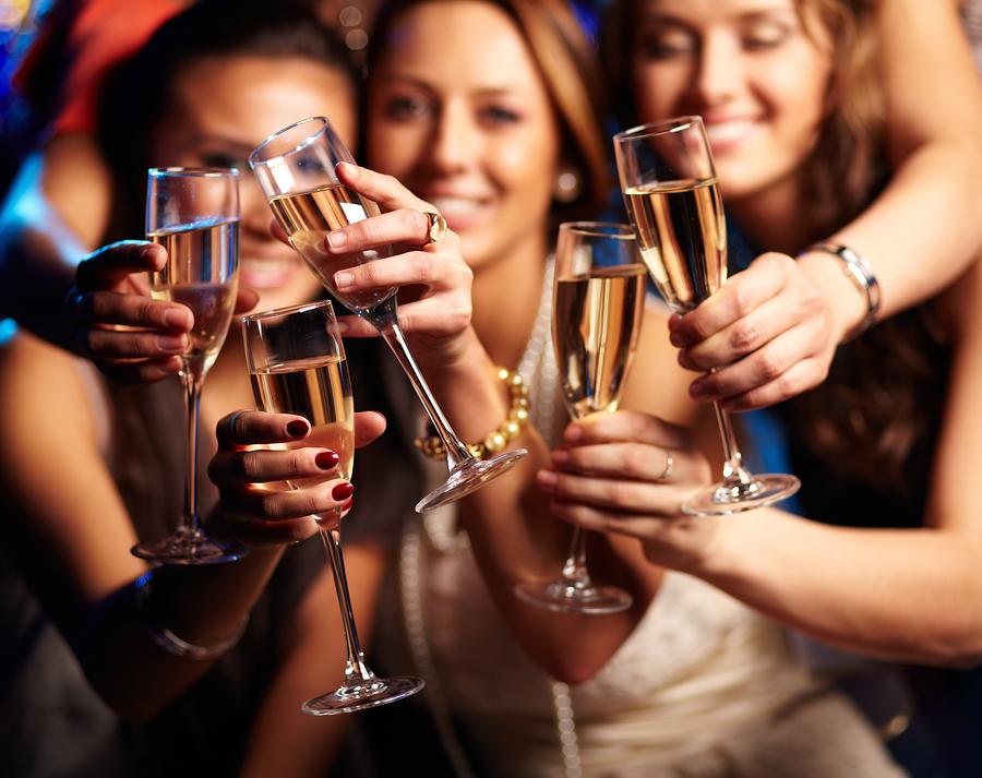 millennials women wine
